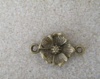 Flower connectors metal bronze beads 15 x 25 mm to the piece