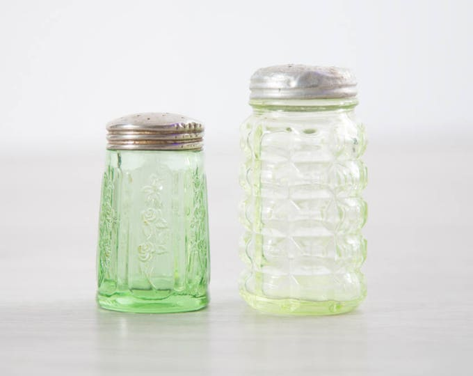 Pair of Vaseline Glass Salt and Pepper Shakers / Antique Uranium Green Depression Glass Collectible / Vintage That Glows Under Blacklight