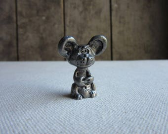 Bashful Pewter Mouse Figurine, Vintage Miniature  Mouse Figurine, Metal Mouse Sculpture, Pewter Animals, Cute Funny Mouse, Mouse Lovers Gift