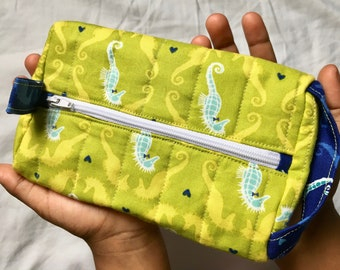 Cosmetic Seahorse Zipper Pouch Green
