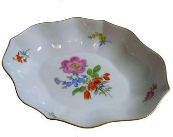 Antique Meissen shell Flower decoration around 1934-45