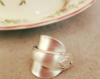 Vintage teaspoon wrap around ring sz 9