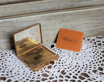 Vintage. Gold. Compact. Majestic. Mirror. Powder compact. 1960s. Cute compact!