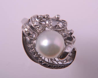 14ct White Gold 1950's Ring With A Pearl (499aa)