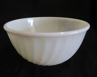 Fire King white mixing bowl swirl pattern