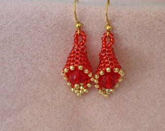 Christmas Bell Earrings,Red and Gold Christmas Earrings,Beaded Bell Earrings,Peyote Stitch Beaded Earrings,Red Christmas Earrings