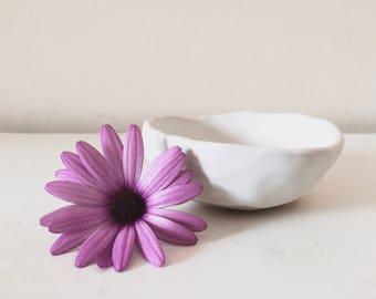 Snow Condiment Bowl
