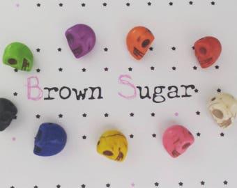 ☆ Lot de 5 breloques tête de mort Howlite ☆ couleur au choix ☆ 12x10mms ☆ perles pierre