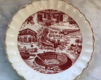 New Orleans Souvenir Plate!  Who doesn't love New Orleans!  Perfect plate to remind of that great city!