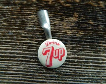 Drink 7-UP pen clip