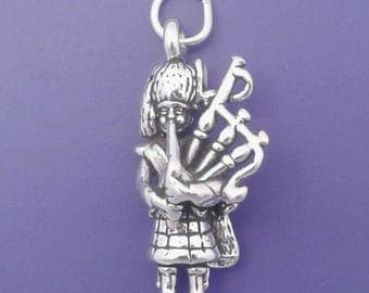 BAGPIPE Player Charm .925 Sterling Silver, Scottish, Scotland Music Pendant - lp2931