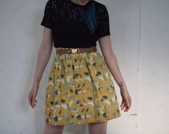 Retro vintage yellow senape BUGS skirt // gonna giallo senape con insetti stampati