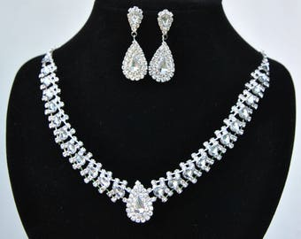 Bridal jewelry etsy bridal jewelry set kiara wedding jewelry sets for brides chandelier bridal necklace earrings set drop crystal junglespirit Image collections