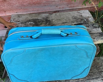 Vintage 1960's Blue Airway Suitcase. Aqua. Weekending Bag.Retro Luggage. Suitcases.Get away Luggage.Small Blue Luggage.Classic overnight.
