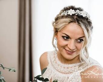 N40 diadem, Tiara, wedding hairstyles, Bohos, bridal hairstyles, hair jewellery, comb, bridal headpieces, Fascination, vintage, ivory