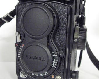 Excellent Seagull 4B-1 Medium Format 120 TLR Film Camera with Lens Cap and Strap