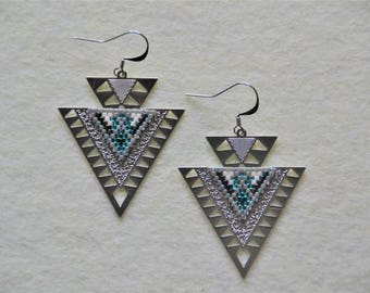Dangle ethnic earrings - blue and silver
