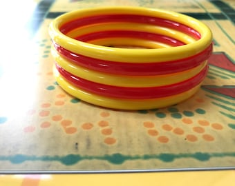 Vintage Yellow and Red Bangle Bracelets - Plastic - Set of 5 - Red - Yellow Bangles