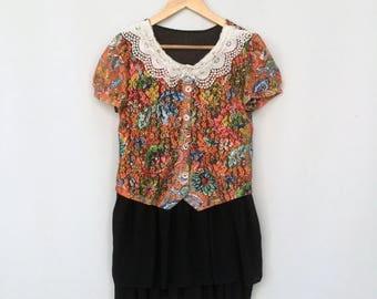 SALE Vintage  summer dress / 70s dress / Mini dress / ROMANTIC mini dress / PREPPY floral handmade dress with white lace colar