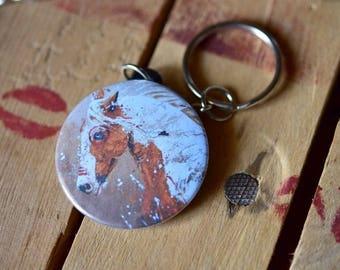 Piebald horse keychain