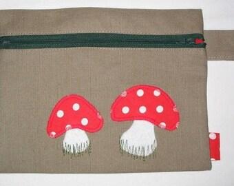 Small cosmetic clutch bag - mushrooms