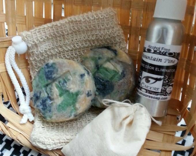 Mountain Pine Camoflauge Hunter's Gift Set with exfoliating Soap Bag