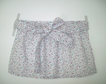 Little girl apron - White printed small flowers