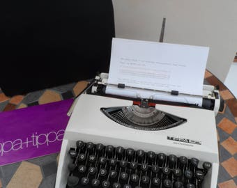Vintage circa 1960/1970 cased Adler Tippa S Manual Typewriter Full Working Order White Body Colour Superb Condition with carry case.