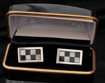 Racing Flag Gift Boxed Silver Cufflinks