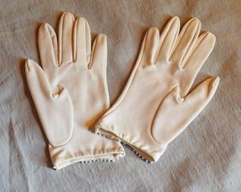 Vintage Ladies' Gloves - White Stretch Nylon, Short Wrist, with Faux Pearl Trim, 1960s, size 6