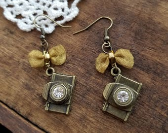 Camera earrings, gift for Photographer, photography gift,bronze Camera earrings, camera jewelry, photographer earrings, photographer jewelry