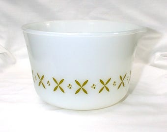 Vintage Fire King Anchor Hocking Pour Spout Bowl Green Crosses X