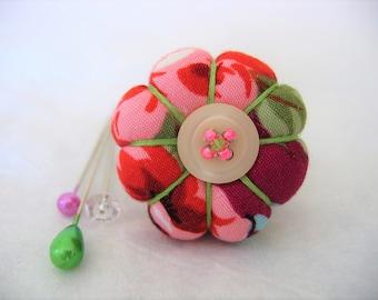 Pin Cushion Ring / Pin Cushion /Vintage Style Pincushion Ring in Magenta / Floral Pincushion / Retro Pincushion