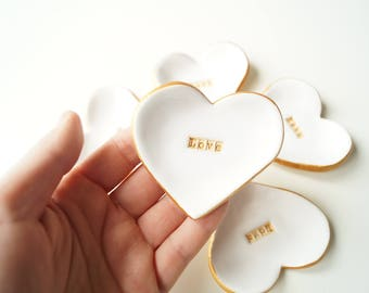 Heart Wedding Favors, Guest Favors, White Ceramic Heart, 5 pieces