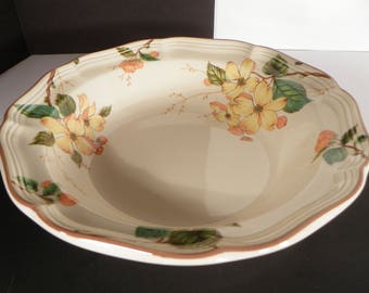 Mikasa Heritage GOLDWOOD Round Vegetable Serving Bowl Flowers at Rim Design