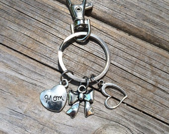 Mom Bow Keychain, Heart keychain, keychain, Mom keychain, purse keychain, gifts for her, Gifts for Mom