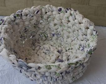 Panier recyclé, vide-poche en crochet, écologique, blanc moucheté violet et vert