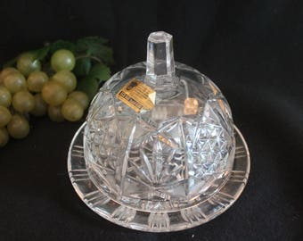 Beyer Lead Crystal Round Covered Butter Dish in Excellent Condition - West Germany, Bleikristall