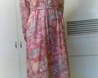 Vintage Pink Flower Day Dress
