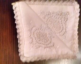 12 vintage 18x18 cutwork linen dinner napkins