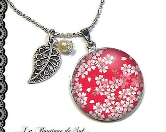 With its 25 mm cabochon beads necklace * paper * (170117)