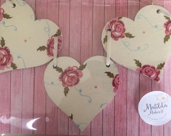Emma Bridgewater's Tiny Scattered Rose Wooden Heart Bunting/Garland