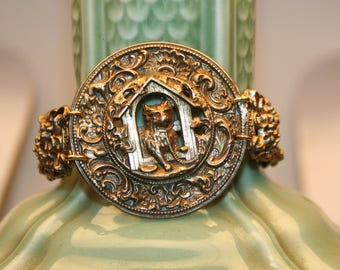 Baroque bracelet - boy in his DOGHOUSE!