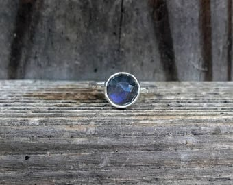 Labradorite Ring - Faceted Labradorite Ring - Sparkly Grey Ring - Stacking Ring - Sterling Silver - Hammered Band - Everyday Ring - Blue