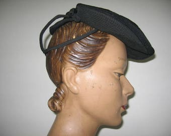 """1940's Genuine Corde """"Newsboy"""" Beret with Faille Cage Back, New York Creation Label!"""
