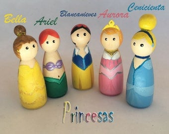 Princesses of wood painted to hand to play, to decorate the bedroom or as toys for birthday cake. Peg Dolls