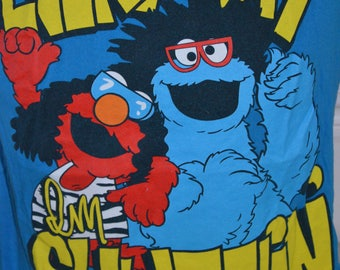 "Vintage Sesame Street ""Every Day I'm Shufflin"" Graphic T-Shirt (Size: L)"
