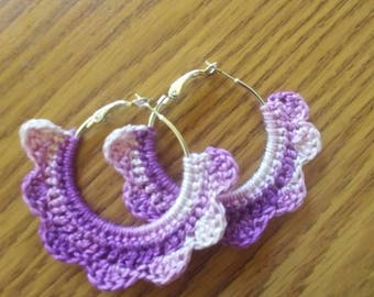 Crochet hoop earrings. Purple tones.