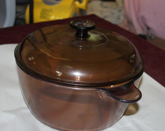 Vintage Visions Corning Ware Amber Colored, 4.5 Liters with Matching Lid, Very Heavy Glass, Cooking, Stove or Oven, Large Pot, Pan