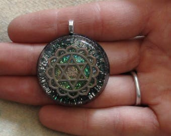 Encased Silver Star of David Heart Chakra Anahata Sanskrit Symbol Green Ormus Orgone Crystal Energy Unisex Pendant Necklace 27mm